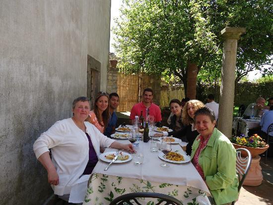 Tuscan Wine Tours with Angie : Tuscan group enjoying fine food