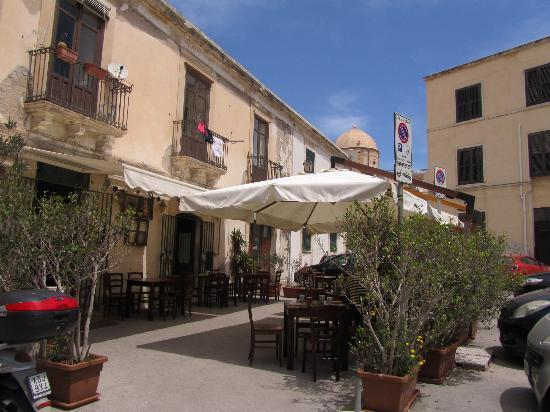 Taberna Sveva : Outdoor seating