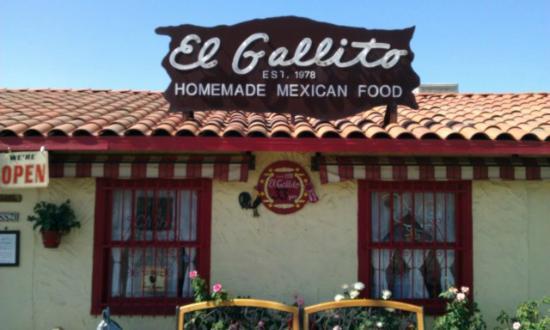 El Gallito Restaurant: Front of El Gallito Mexican Restaurant, Cathedral City, CA