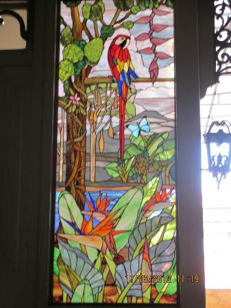 Hotel Don Carlos: Gorgeous stained glass in courtyard area!