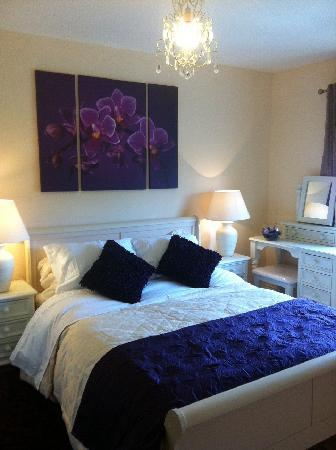 Burke's Mulbur House: king bedroom