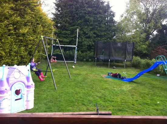 Burke's Mulbur House: Childrens play ground
