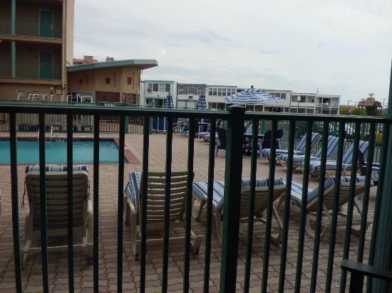 Howard Johnson Inn Ocean City Oceanfront: Nice pool view