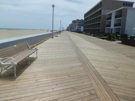 Howard Johnson Inn Ocean City Oceanfront: Love the new Boardwalk!