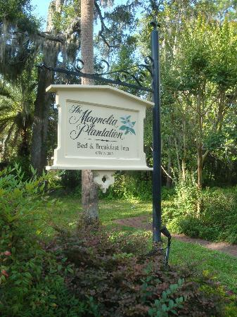 The Magnolia Plantation Bed and Breakfast Inn: THE MAGNOLIA PLANTATION