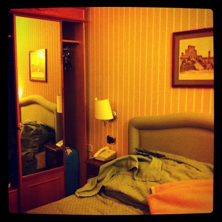 Hotel Cecil: Single room @ 416