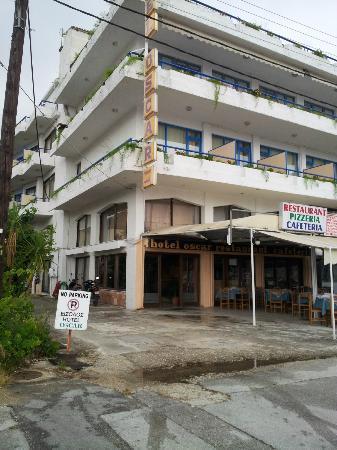 Igoumenitsa, اليونان: Hotel front