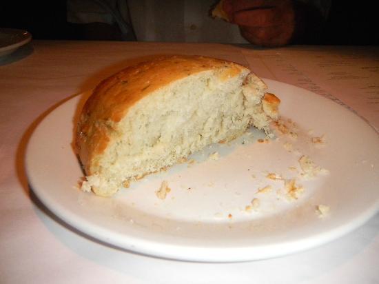 Romano's Macaroni Grill: Bread