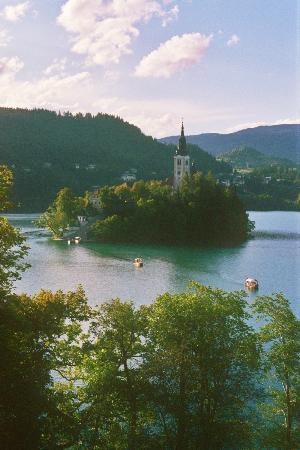 Vila Bled: Loved watching the gondolas come & go