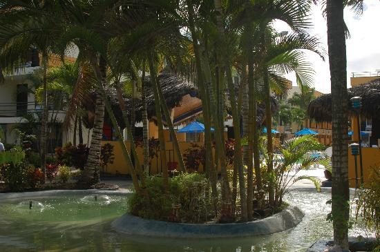 Atacames, Ecuador: Beach side entrance area