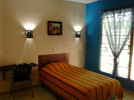 Hostal Dona Marta: dormitorio