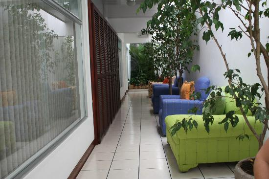 Hotel & Boutique Hojarascas : Hallway inside hotel
