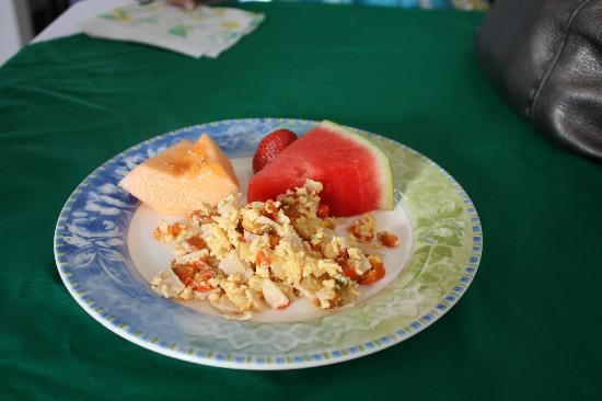 Hotel & Boutique Hojarascas: Food from the complimentary breakfast buffet