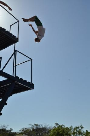 Surf Ranch AirPad Drop : back flip