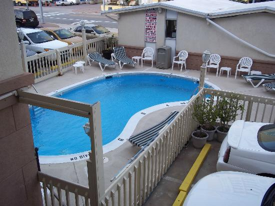 Royal Clipper Inn and Suites: love the pool