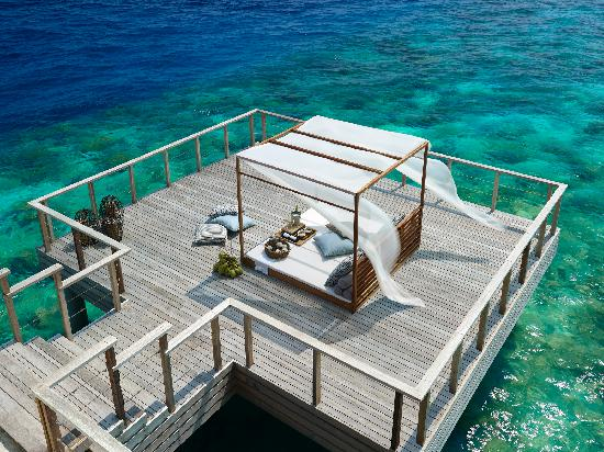 Dusit Thani Maldives: Dinner on a Private Deck