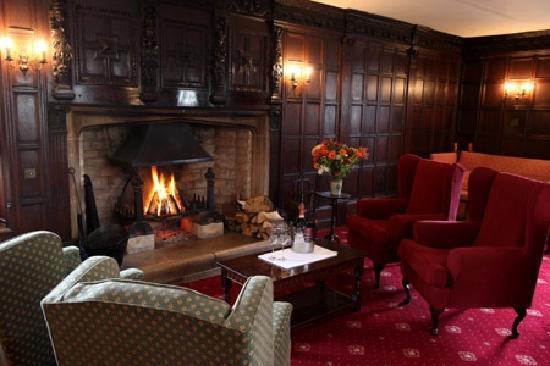 Mortons House Restaurant: oak room lounge