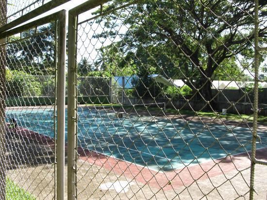 Villa Paraiso Resort & Apartelle: tennis-court