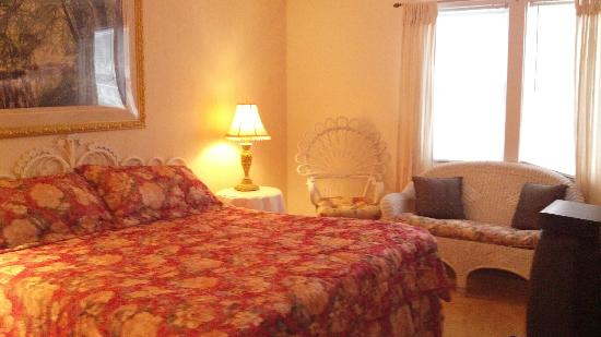 Harbour Towne Inn on the Waterfront: Master Bed Room