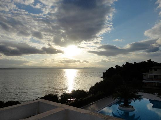 Negroponte Resort Eretria: Ηλιοβασίλεμα μέσα από τη θάλασσα