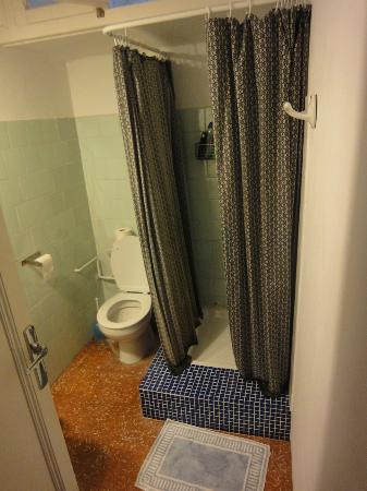 America 32 B&B: Salle de bains et WC