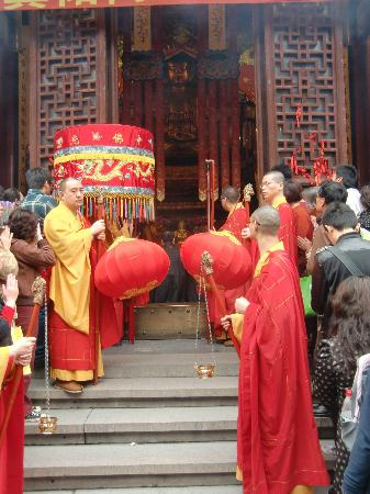 Wheely Bike Tours: jade budda temple