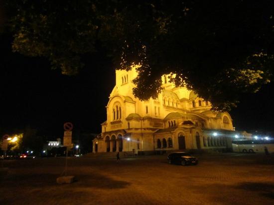 Iglesia de Alexander Nevski: 夜景