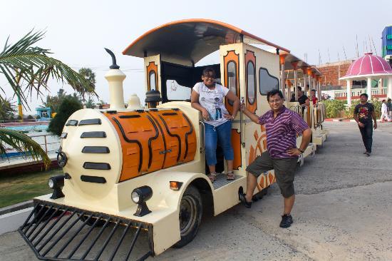 Rose Valley Manadarmoni Beach Resort: Road train at the resort