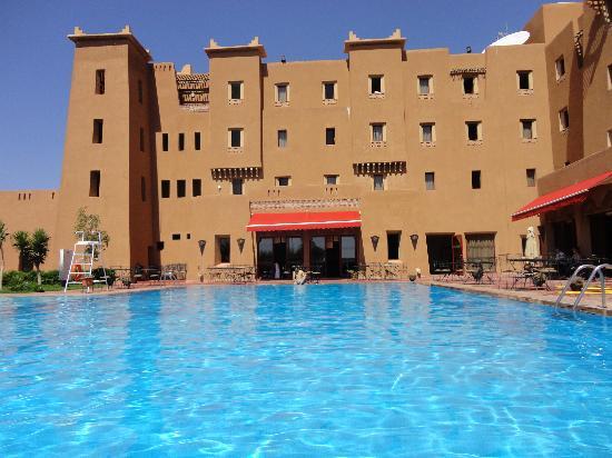 Ibis Moussafir Ouarzazate: piscine
