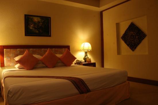 Movenpick Suriwongse Hotel Chiang Mai: ベッド