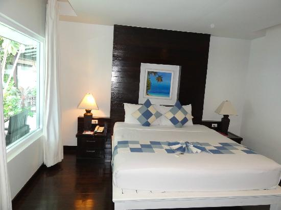 Chaweng Cove Beach Resort : the bedroom
