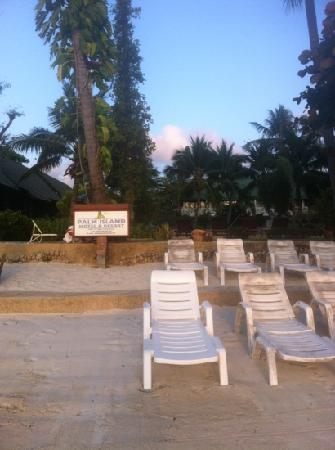 Palm Island Hotel: this is the place