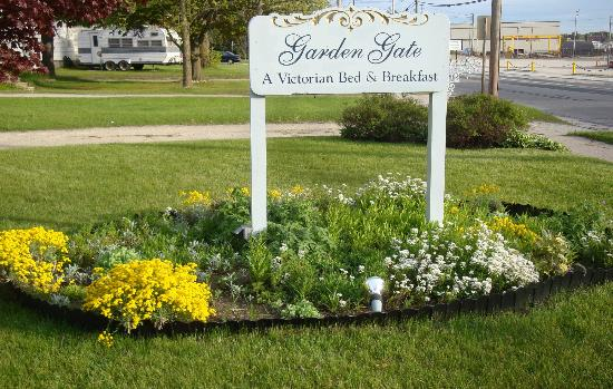 Garden Gate Bed And Breakfast: Front Sign U0026 Flower Bed