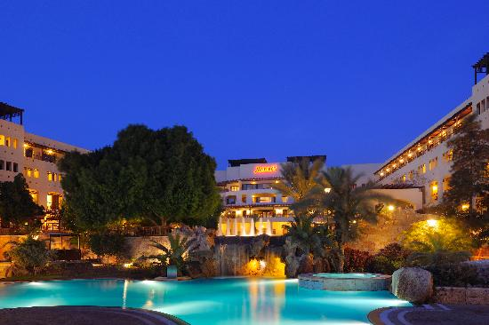 Jordan Valley Marriott Resort & Spa: Exterior Night