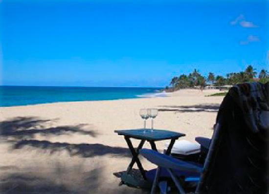 Makaha Beach Cabanas: Virtually private tranquil Beach!