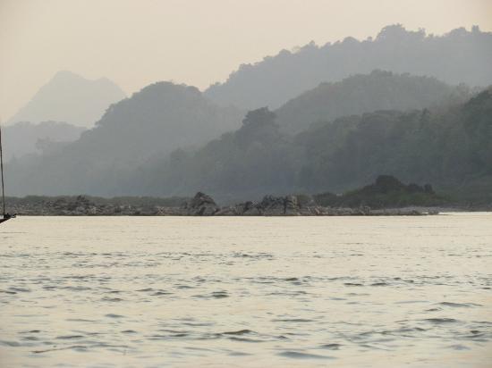 Hotel Au Fil Du Mekong (Mekong Riverside Hotel) : Suer les bords du MEKONG...