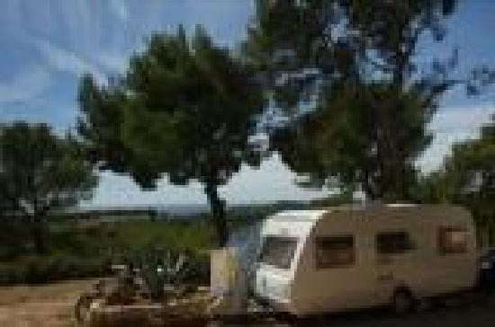 Saint-Cyr-sur-Mer, Prancis: place de caravane