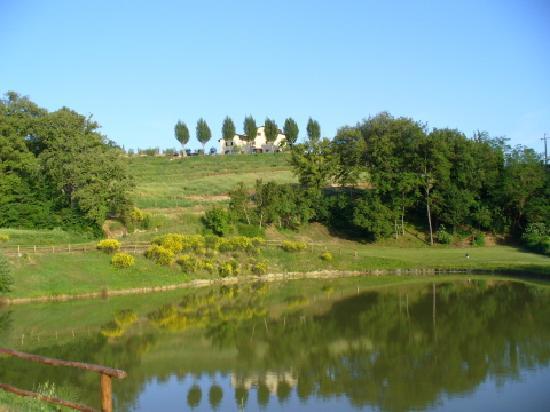 Agriturismo Val della Pieve: il laghetto