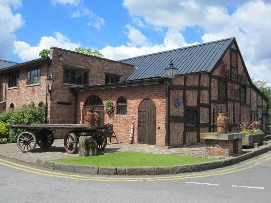 Bredbury Hall Hotel: Quaint and pretty