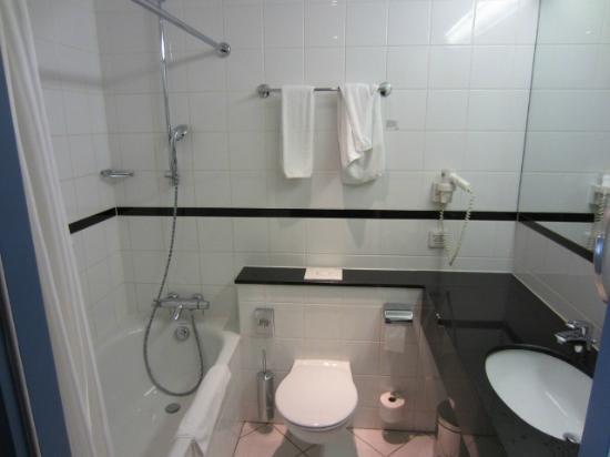 Scandic Wroclaw: Badezimmer