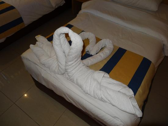 Mina Hotel: Swan arrangement of the towels