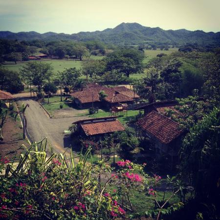 El Sabanero Eco Lodge: Below the Lodge