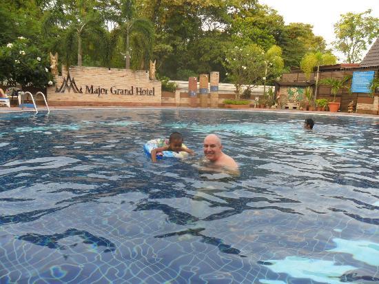 Chum Phae Thailand  city photos : Major Grand Hotel: Lovely pool with nice bar, great food & smiling ...