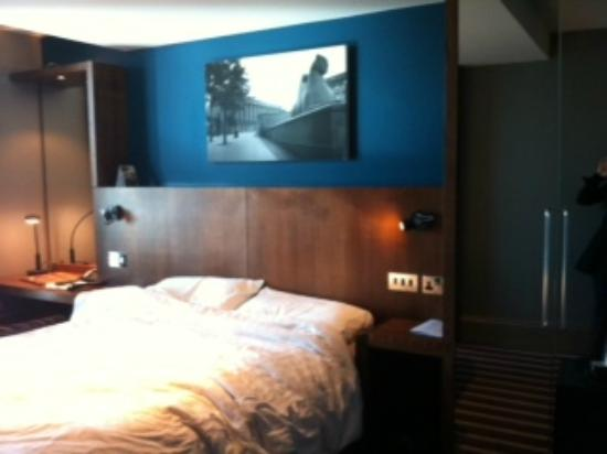 Village Hotel Solihull: Room