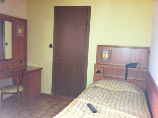 Piccolo Hotel: camera singola con bagno privato