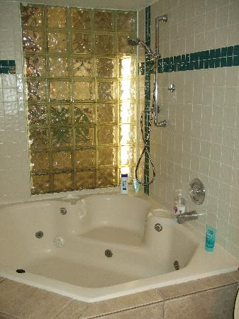 Legacy Vacation Resorts-Lake Buena Vista: whirlpool tub