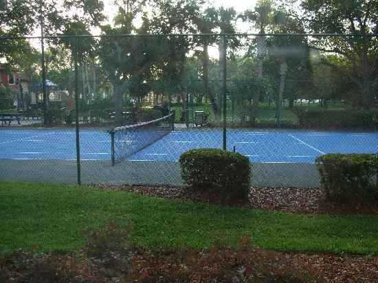 Legacy Vacation Resorts-Lake Buena Vista: tennis court