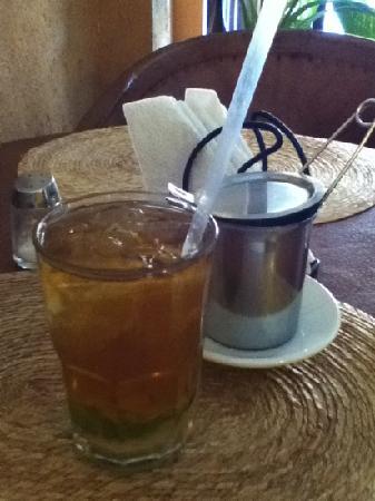 Fenicia: Lebanese tea