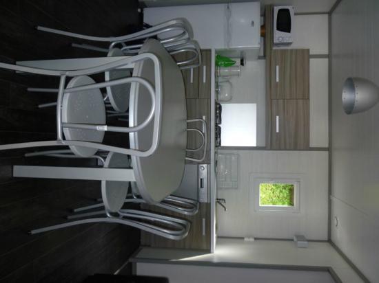 Yelloh! Village Ilbarritz : Living room/kitchen