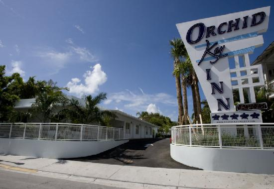 Orchid Key Inn: Located on Duval but surrounded by lush island tranquility